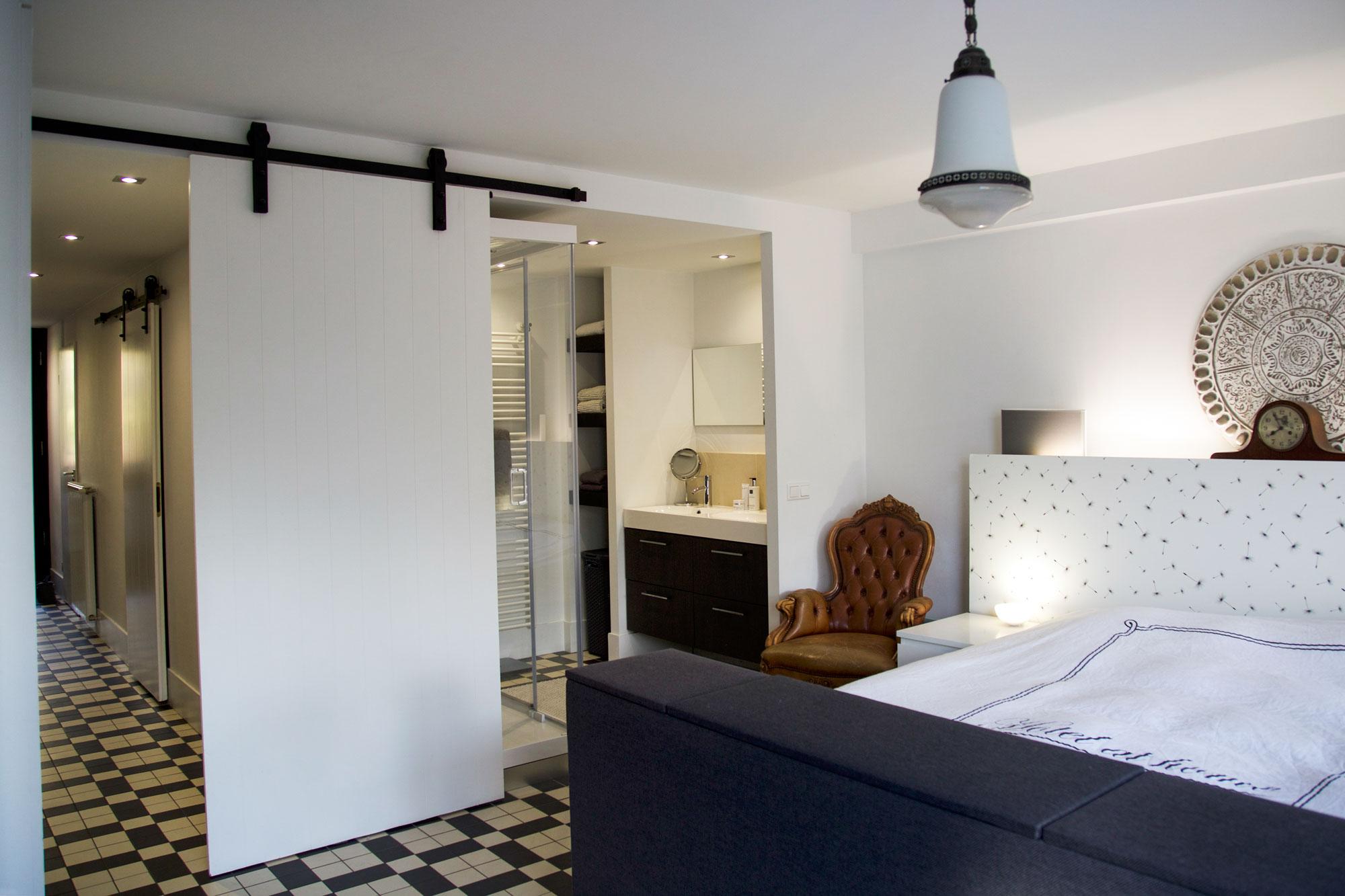 Slaapkamer Zwart Wit : Slaapkamer in zwart wit blos interieur